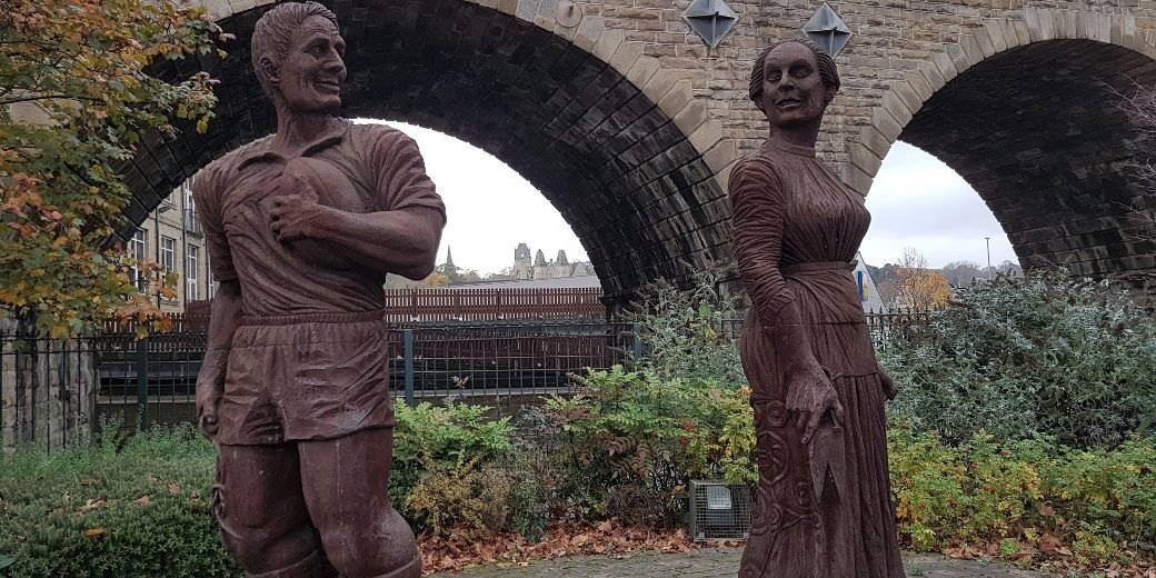 photo of 2 statues called Flirting with the past in Dewsbury