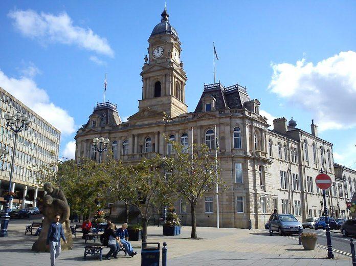 photo of Dewsbury Town Hall