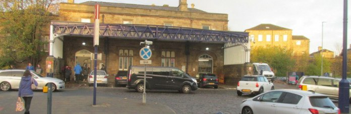 photo of Dewsbury railway station current entrance